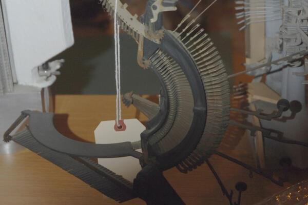 Sculpture Typewriter Bird